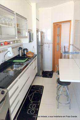 Apartamento, código 3026 em Praia Grande, bairro Aviação