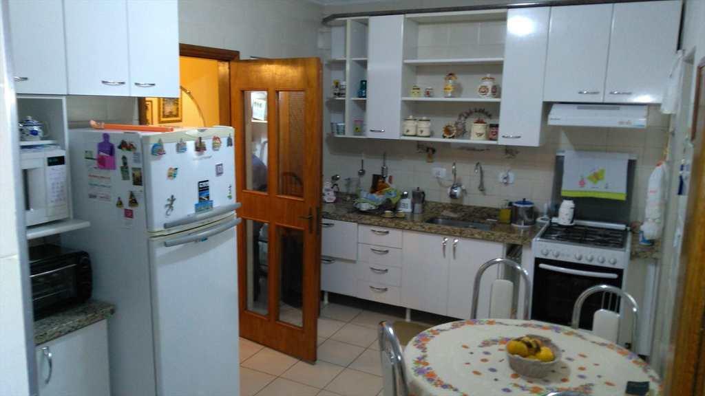 Apartamento em Mogi das Cruzes, bairro Vila Mogilar