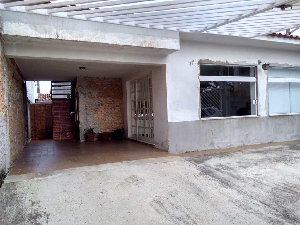 Casa em Mogi das Cruzes, bairro Vila Sarah Avignon