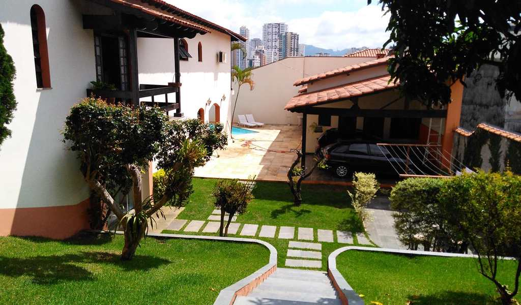Sobrado em Mogi das Cruzes, bairro Vila Oliveira