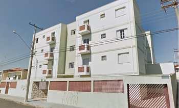 Apartamento, código 586 em Monte Mor, bairro Centro