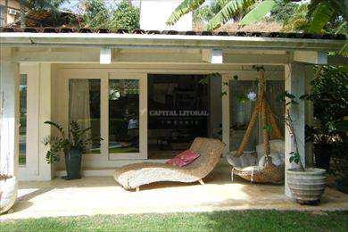 Casa em Ilhabela, bairro Praia do Julião