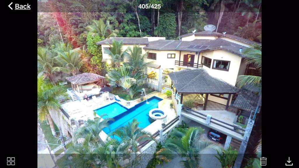 Casa em Ilhabela, no bairro Feiticeira