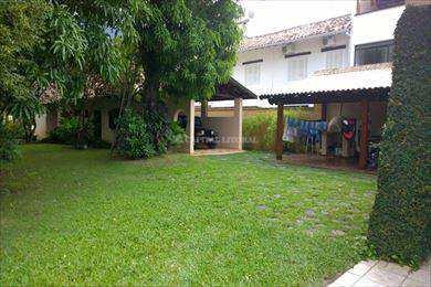 Casa em São Sebastião, no bairro Praia do Arrastão