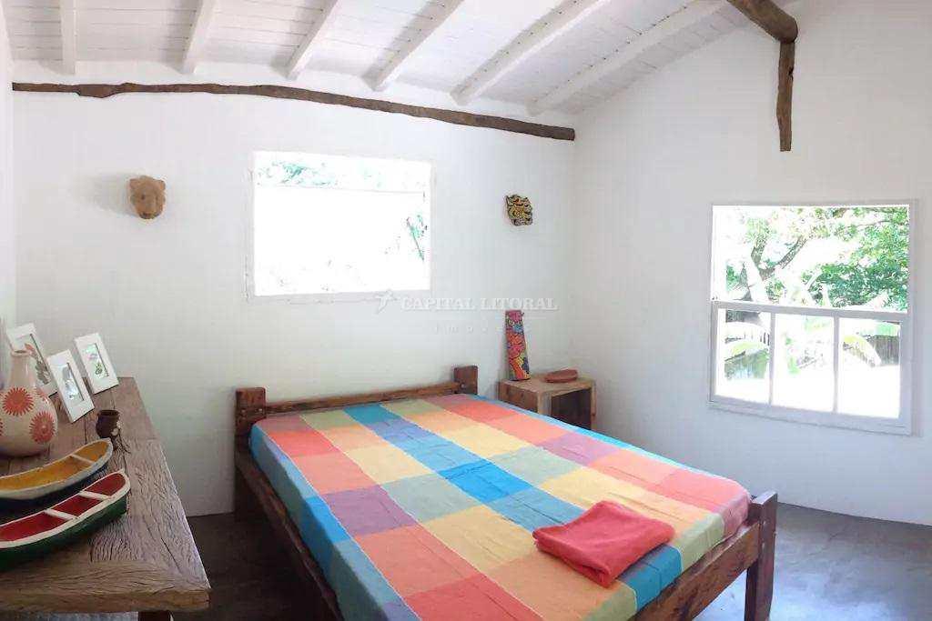 Casa em Ilhabela, no bairro Bonete