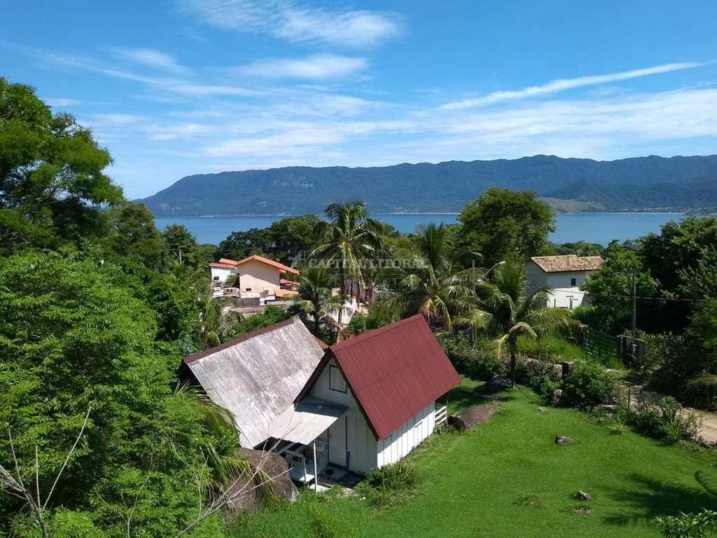 Casa em Ilhabela, bairro Bexiga