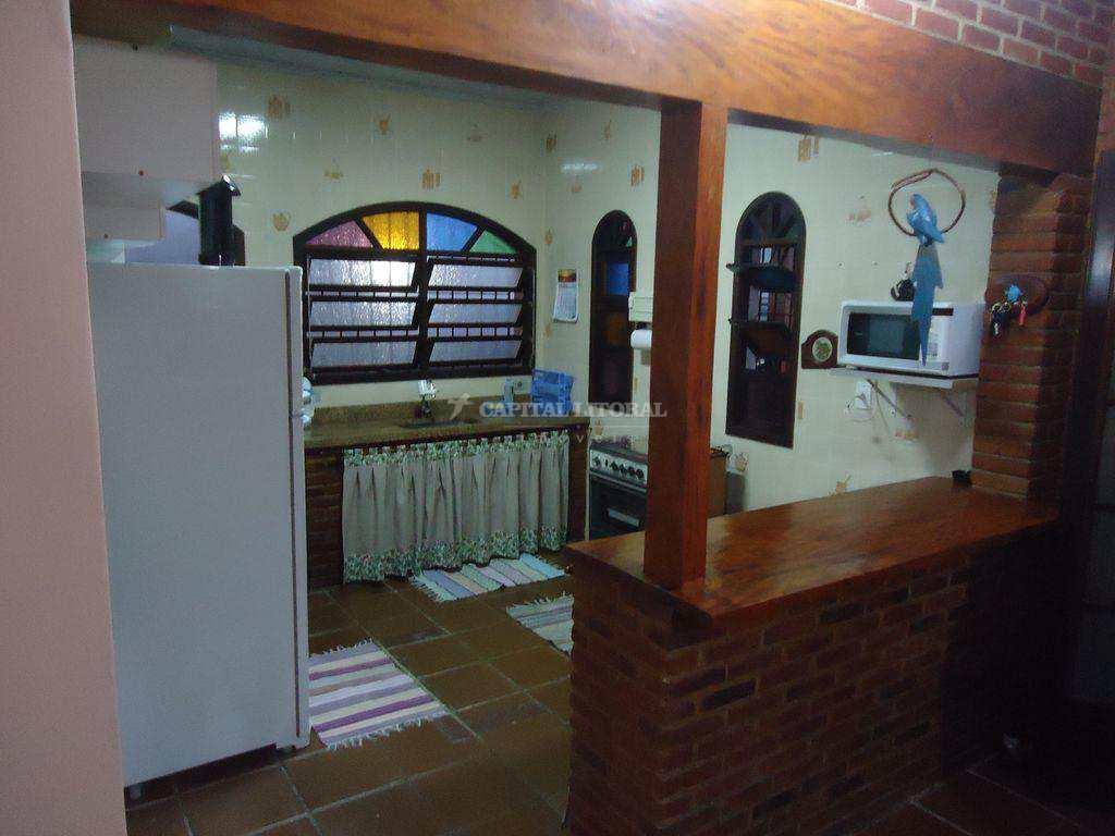 Casa em Ilhabela, no bairro Itaguassu