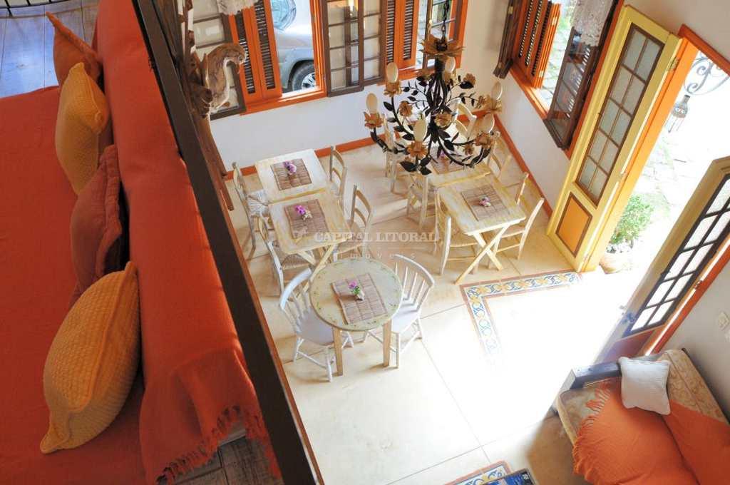 Casa em Ilhabela, no bairro Praia do Pinto