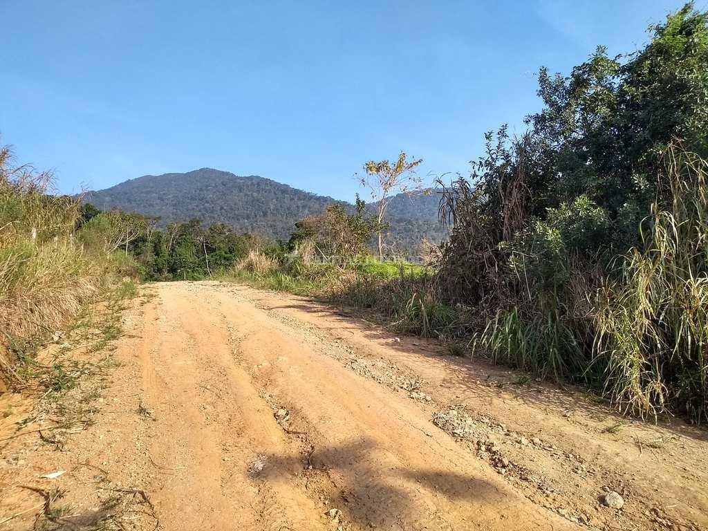Terreno em Ilhabela, no bairro Veloso