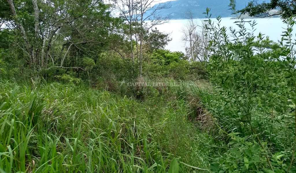 Terreno em Ilhabela, bairro Praia Grande
