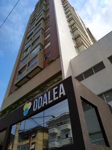 Apartamento, código 24653 em Santos, bairro Marapé