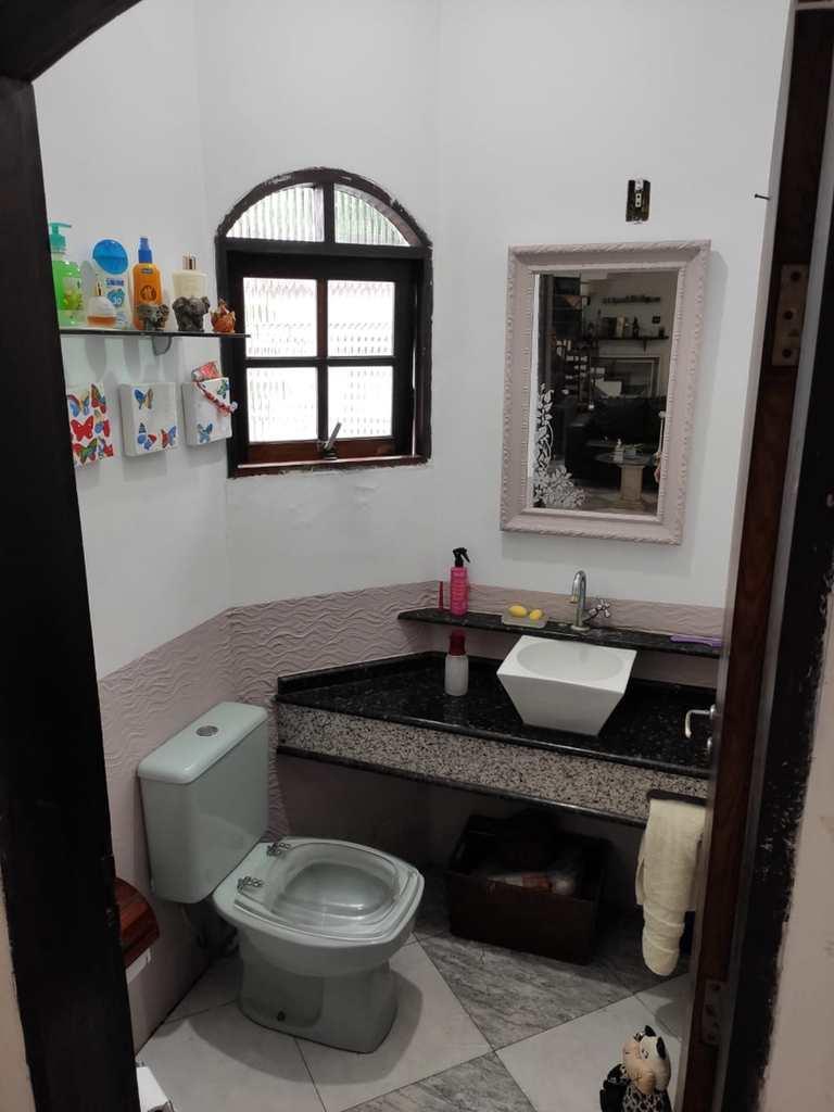 Sobrado em Cubatão, no bairro Vila Ponte Nova