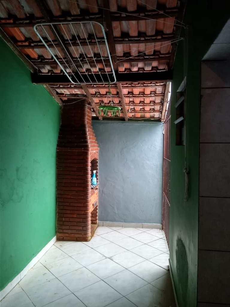Casa em Cubatão, no bairro Vila Ponte Nova