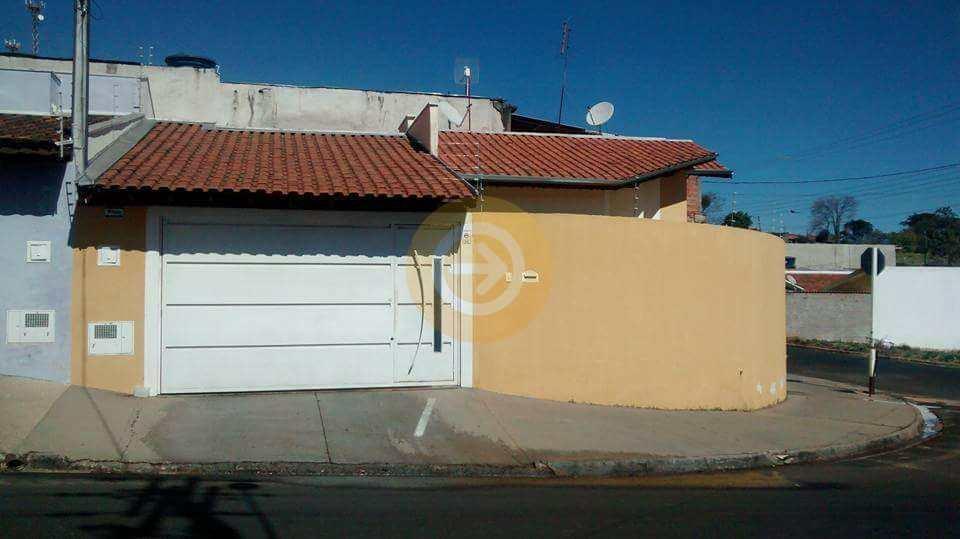 Casa em Botucatu, bairro Jardim Monte Mor