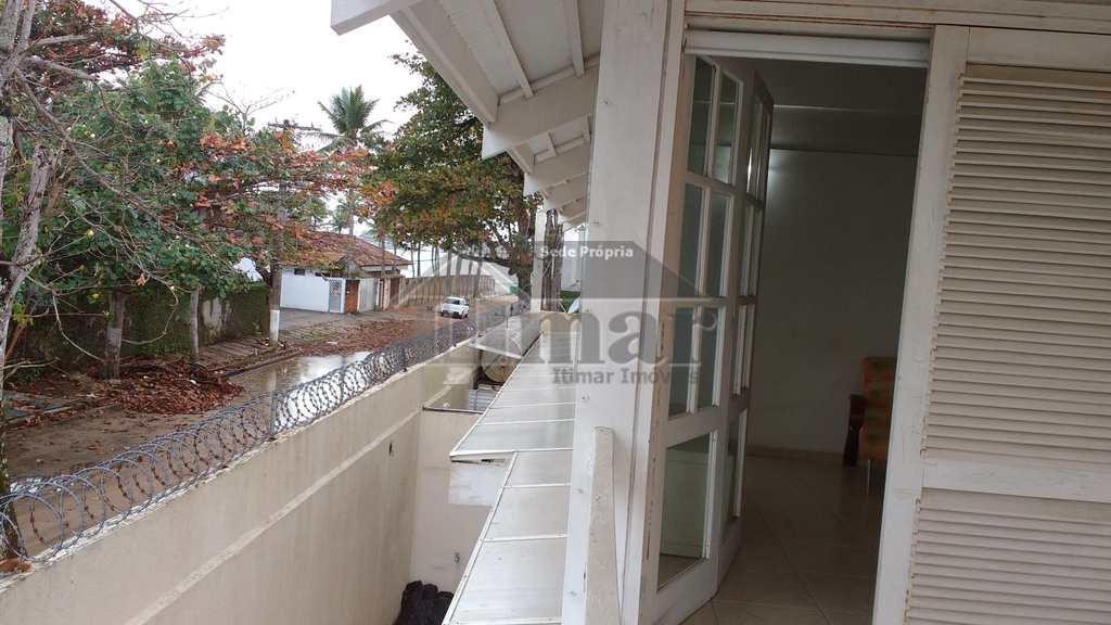 Sobrado em Guarujá, no bairro Praia do Pernambuco