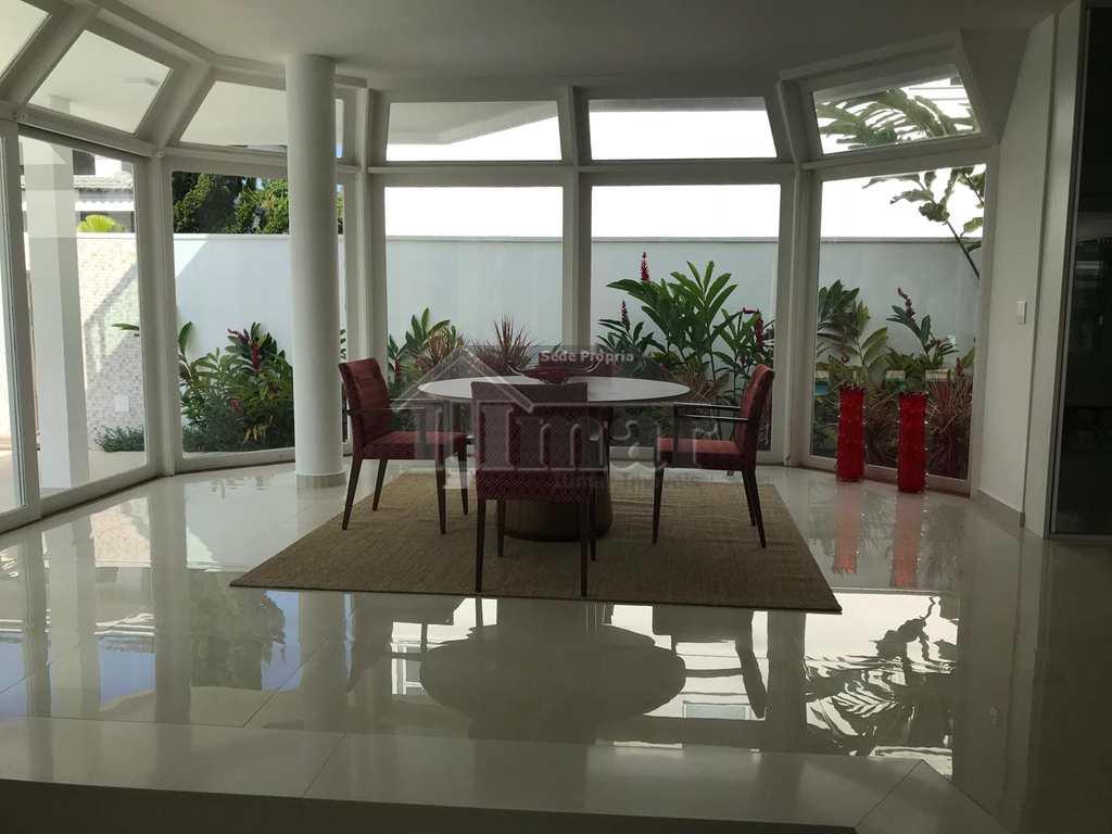 Casa em Guarujá, bairro Jardim Acapulco