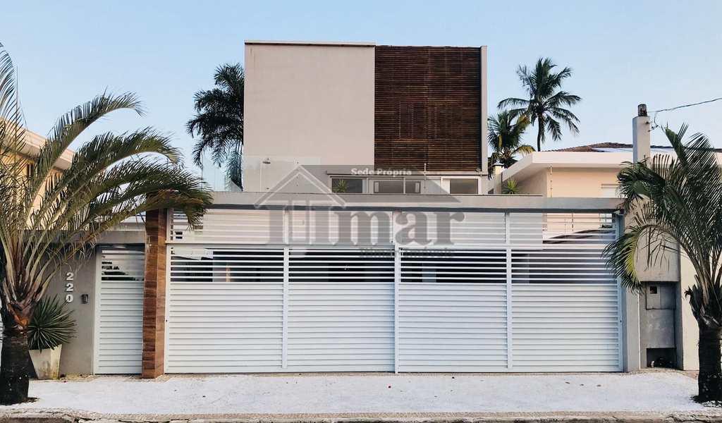 Casa em Guarujá, bairro Praia da Enseada