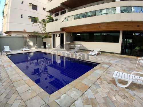 Apartamento, código 4754 em Guarujá, bairro Praia da Enseada