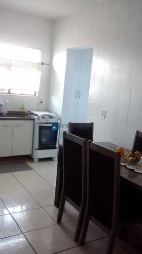 Sobrado, código 111997 em Mogi das Cruzes, bairro Conjunto Residencial Álvaro Bovolen
