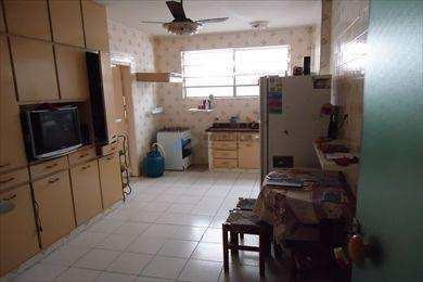 Apartamento, código 557 em Santos, bairro Embaré