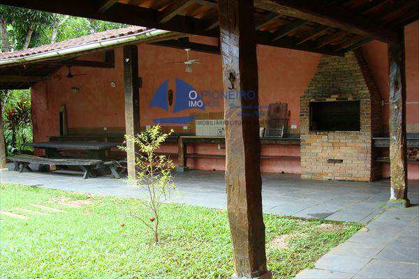 Casa em São Sebastião, bairro Barra do Sahy