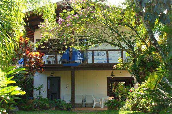 Casa em São Sebastião, bairro Baleia