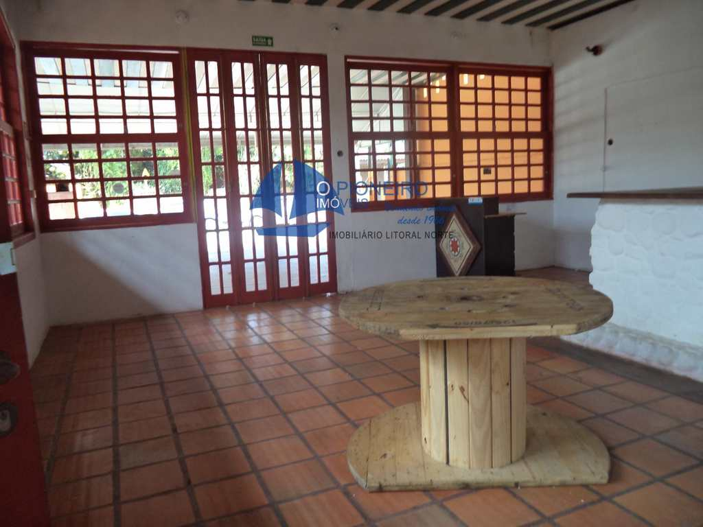 Conjunto Comercial em São Sebastião, bairro Barra do Una