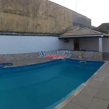 Casa em Praia Grande, bairro Maracanã