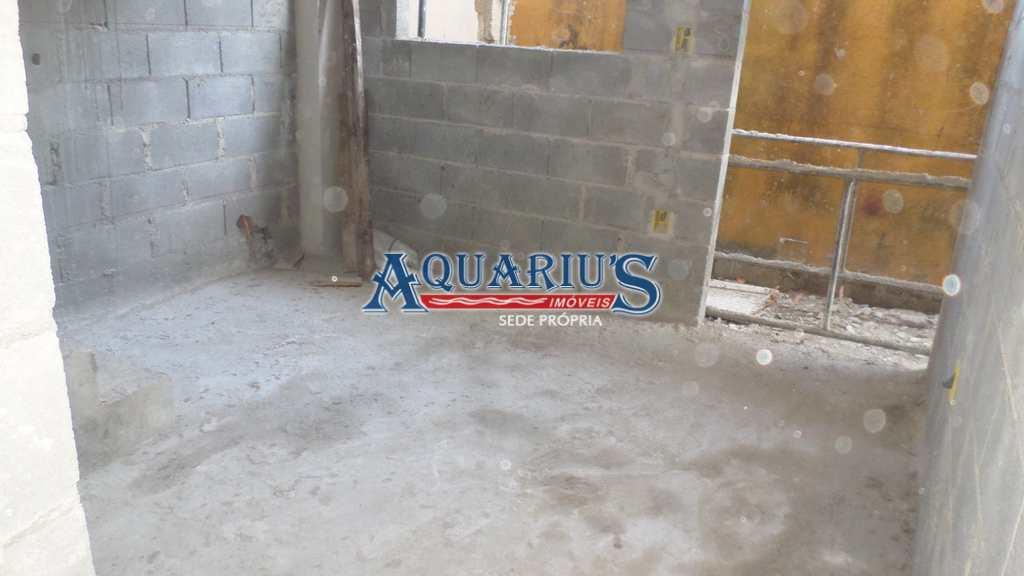 Sobrado de Condomínio em Praia Grande, no bairro Maracanã