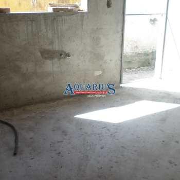 Sobrado de Condomínio em Praia Grande, bairro Maracanã