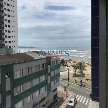 Apartamento em Praia Grande, bairro Ocian