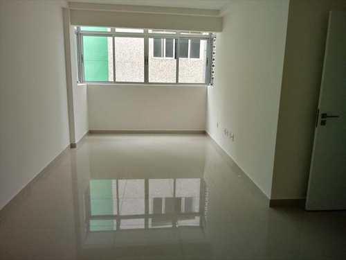 Apartamento, código 22001 em São Vicente, bairro Centro