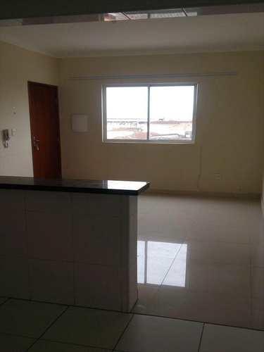Apartamento, código 8960 em São Vicente, bairro Parque Bitaru