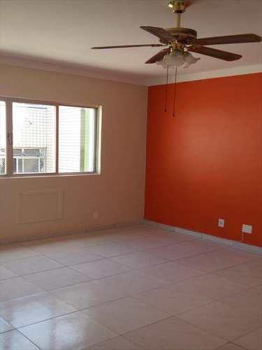 Apartamento, código 2735 em São Vicente, bairro Centro