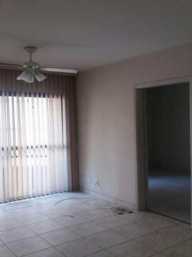 Apartamento, código 1826 em São Vicente, bairro Centro