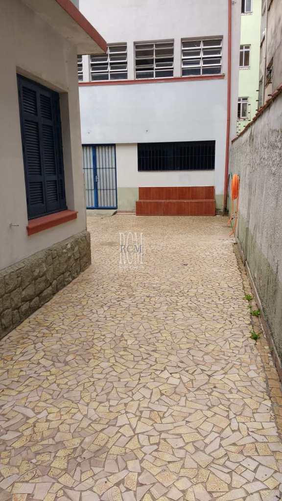 Sobrado em São Vicente, no bairro Centro