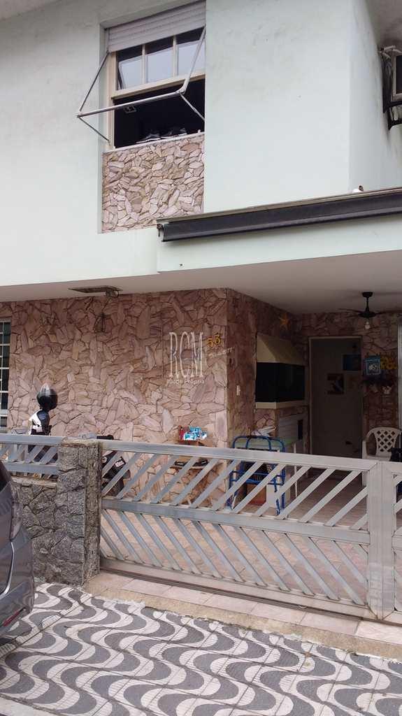Casa de Vila em Santos, no bairro Aparecida