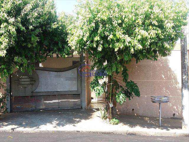 Casa em Jales, bairro Conjunto Habitacional Vereador Sant