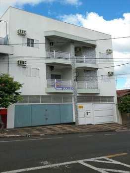 Apartamento, código 4429 em Jales, bairro Centro