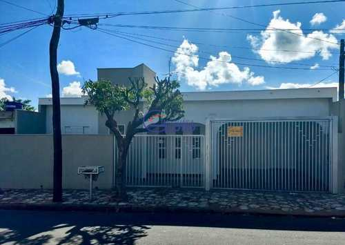 Casa, código 4391 em Jales, bairro Jardim Bom Jesus