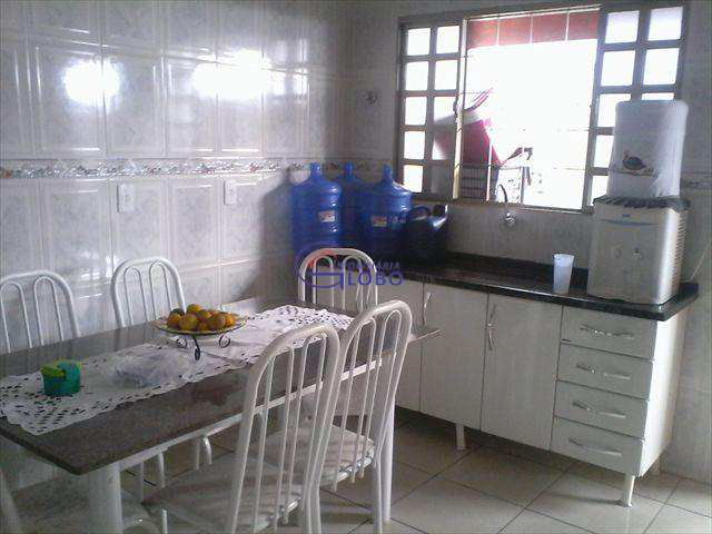 Casa em Jales, bairro Jardim São Jorge