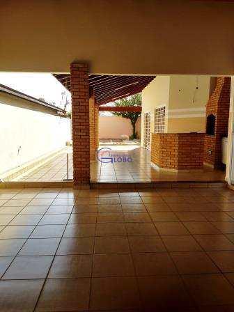 Casa em Jales, bairro Jardim Nova Vida