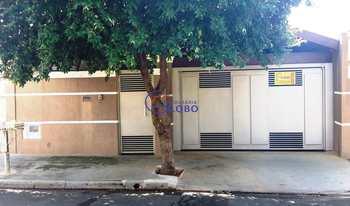 Casa, código 4510 em Jales, bairro Conjunto Habitacional José Antonio