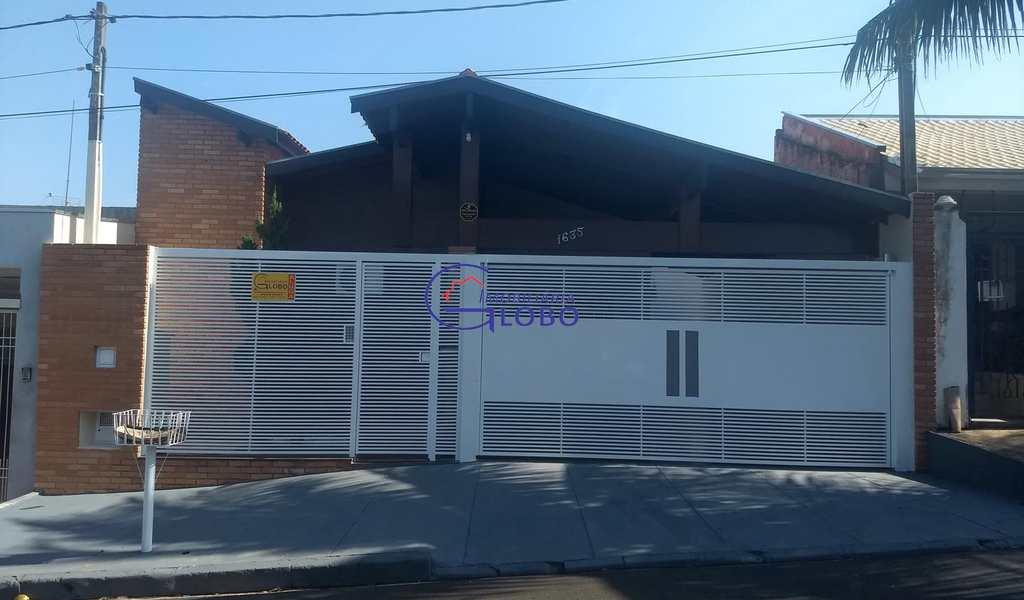 Casa em Jales, bairro Conjunto Habitacional Vereador Derc