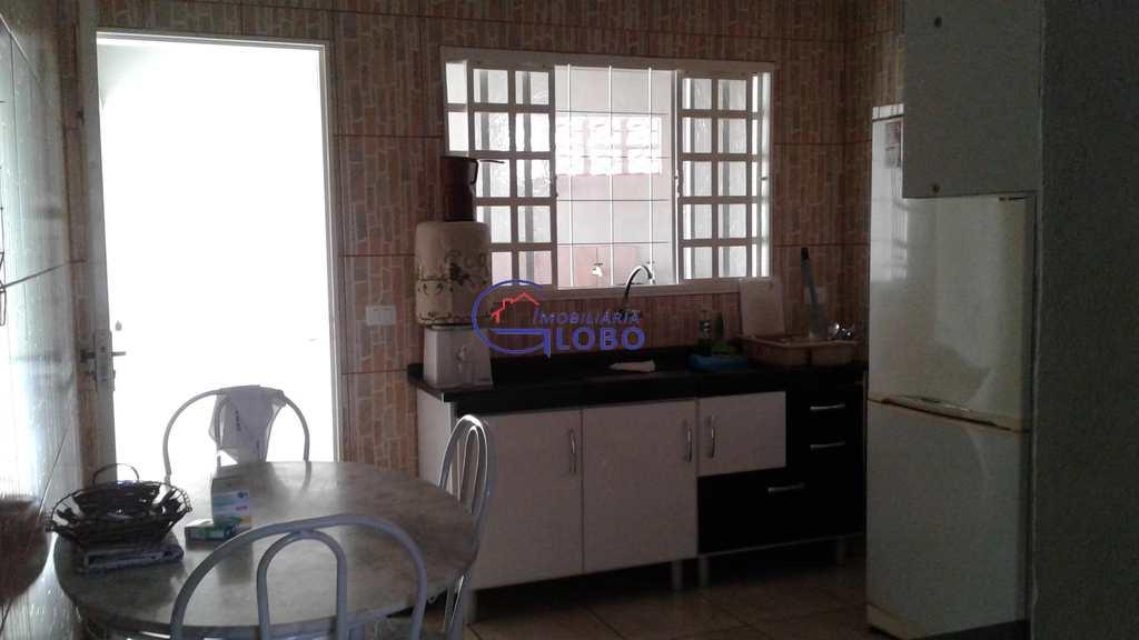Casa em Urânia, bairro Centro