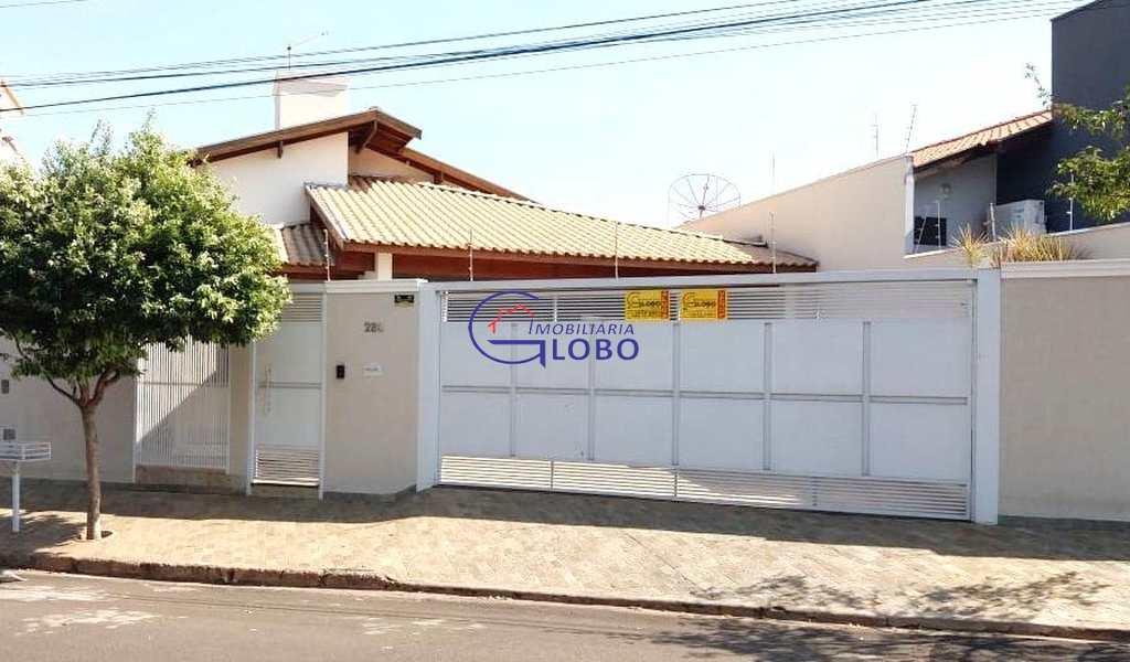 Casa em Jales, bairro Jardim do Bosque