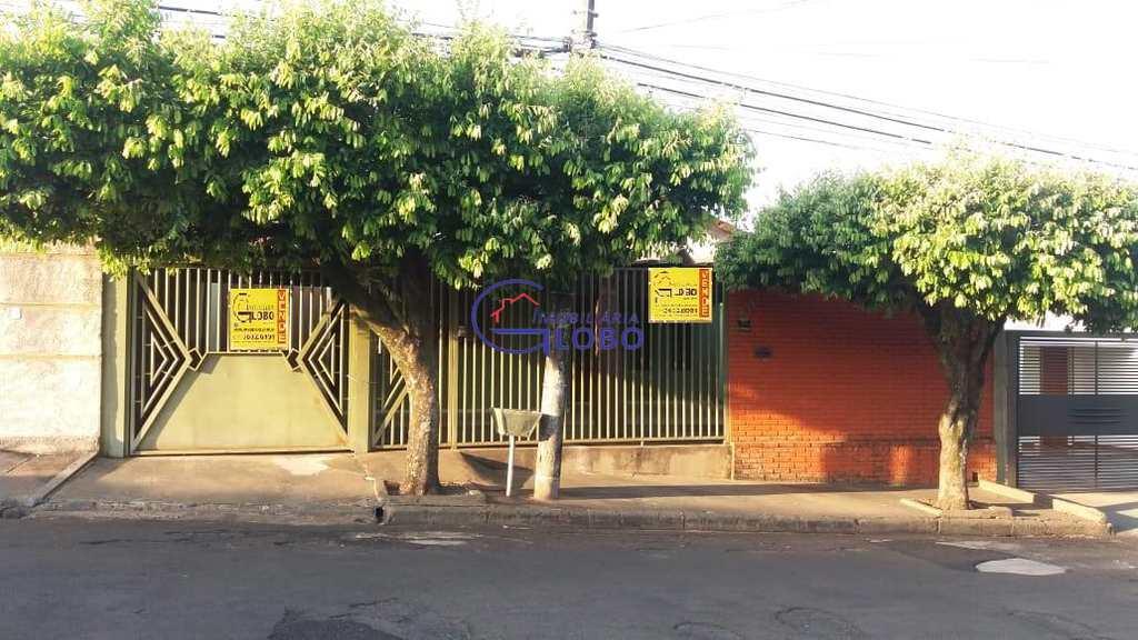 Casa em Jales, bairro Jardim Paraíso