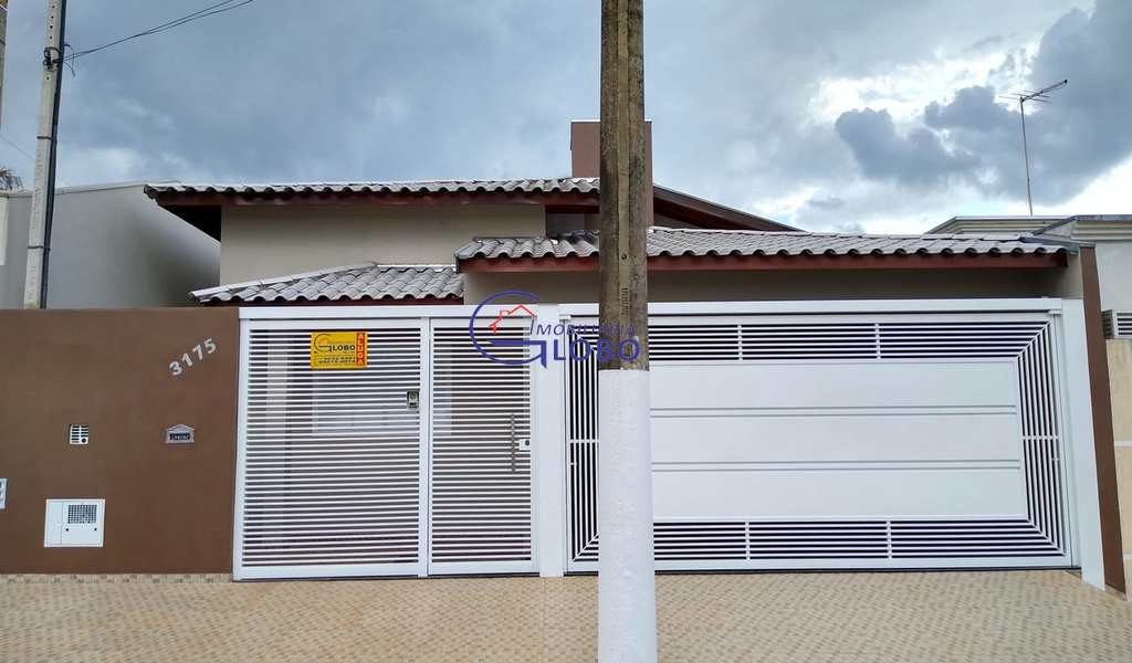 Casa em Jales, bairro Jardim das Palmeiras