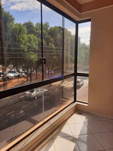 Apartamento, código 4724 em Jales, bairro Centro
