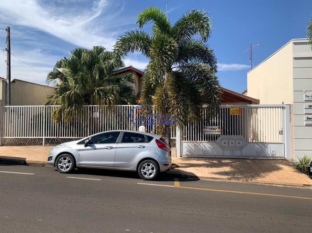 Casa Comercial em Jales, no bairro Centro